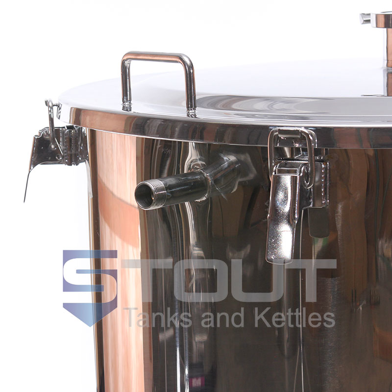 3 bbl hot liquor tank used with a 3 bbl brewing system - view of lid