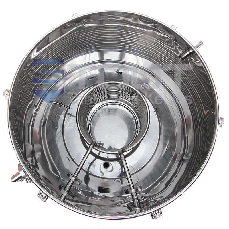 3 bbl hot liquor tank used with a 3 bbl brewing system - inside view of the built in HERMs coil